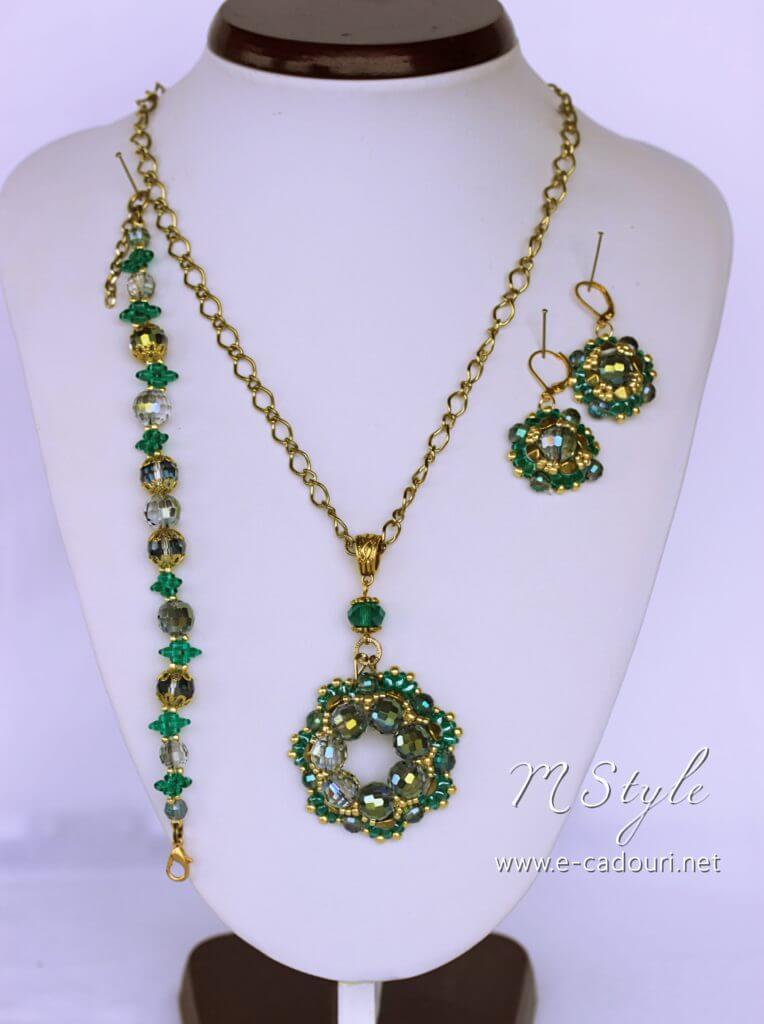 Set Crystal Green colier, cercei şi brăţară