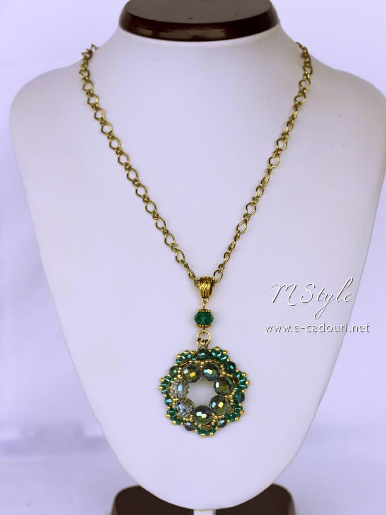 Set Crystal Green colier, cercei şi brăţară 3