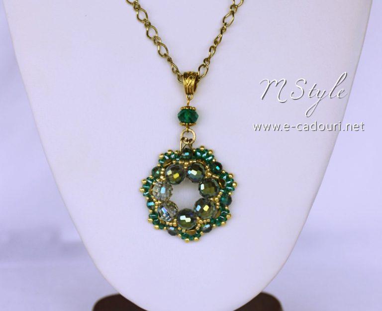 Set Crystal Green colier, cercei şi brăţară 2
