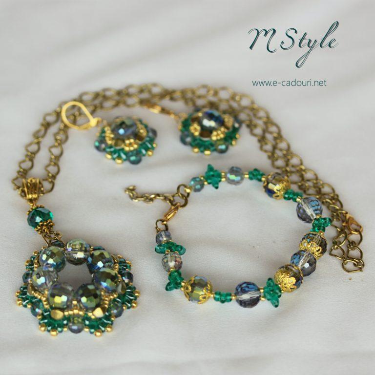 Set Crystal Green colier, cercei şi brăţară 4