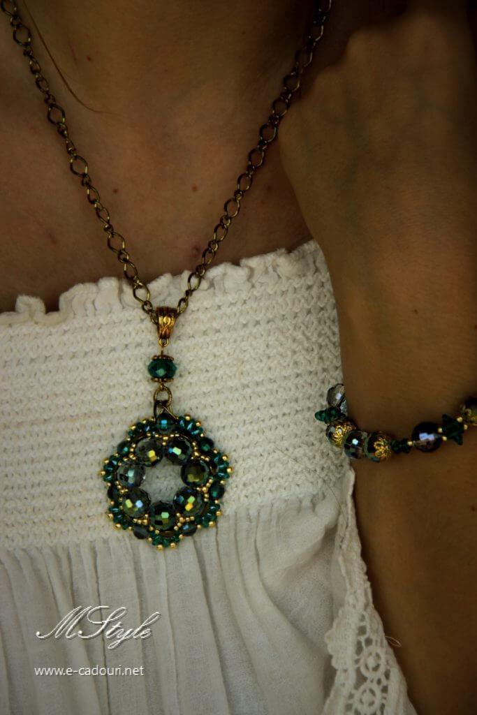 Set Crystal Green colier, cercei şi brăţară 6