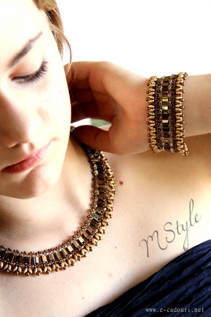 Colier mărgele plate bronz auriu 6
