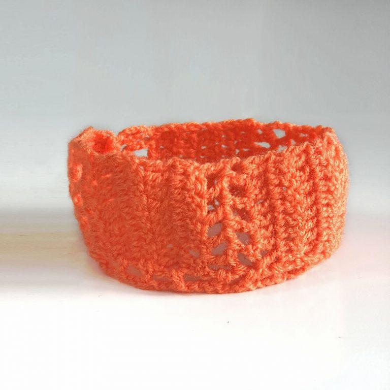 Bentiță portocalie cu găurele 22 cm