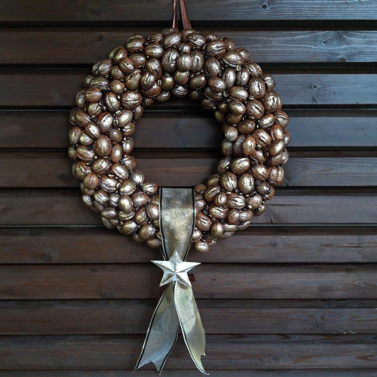 Coroniță decorativă nuci 40 cm