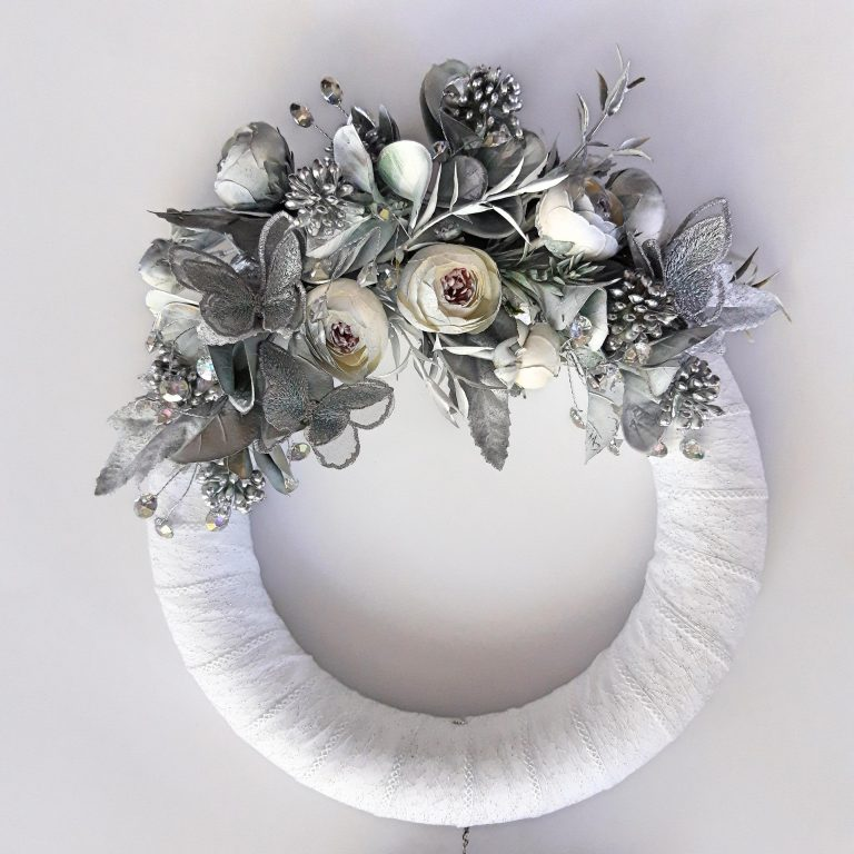 Decor perete 2 coroniţe, alb/argintiu 3