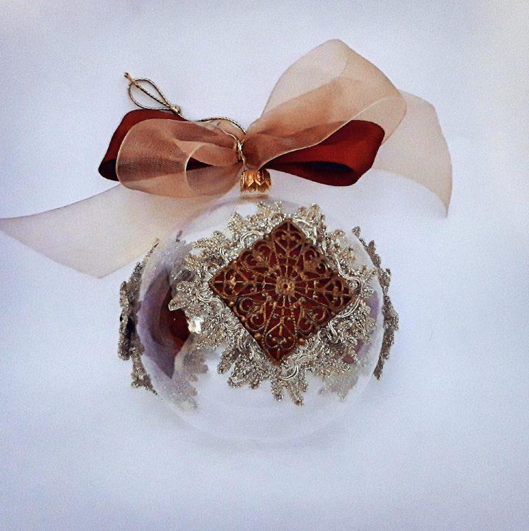 Glob Crăciun sticlă 10 cm cu dantelă aurie