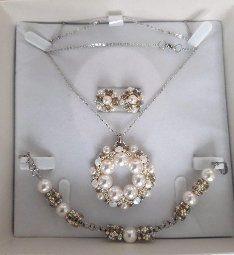 Colier, brăţară şi cercei perle albe swarovski