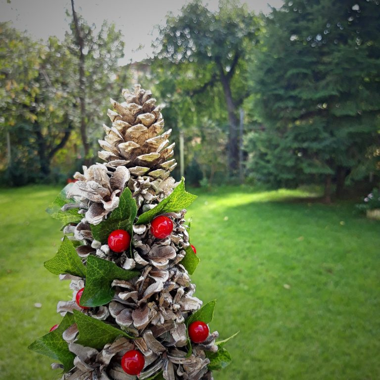 Vţrf Alternativă brad Crăciun conuri pin 125 cm
