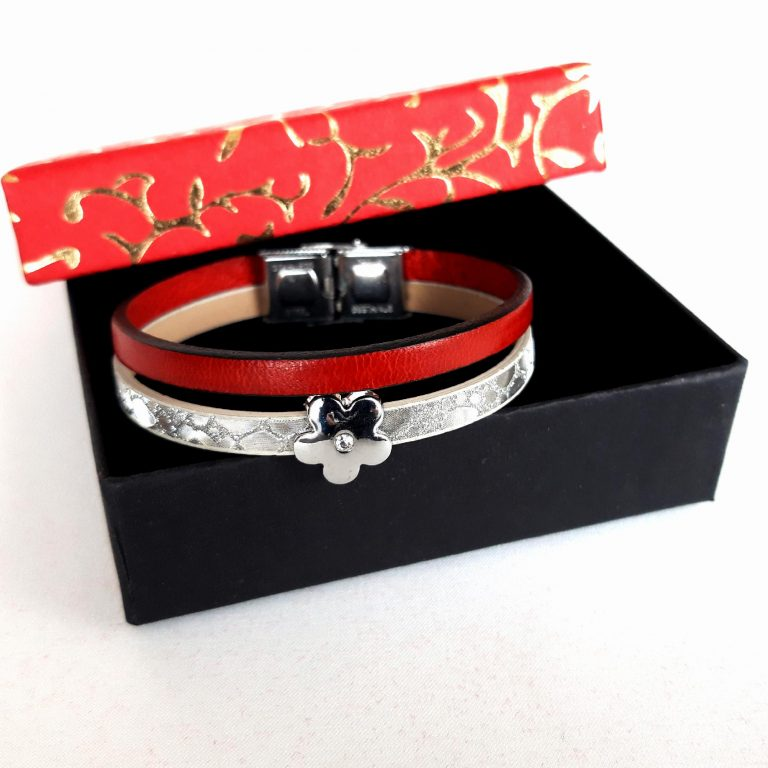 Magazin online cadouri decoratiuni si bijuterii unicat lucrate manual.