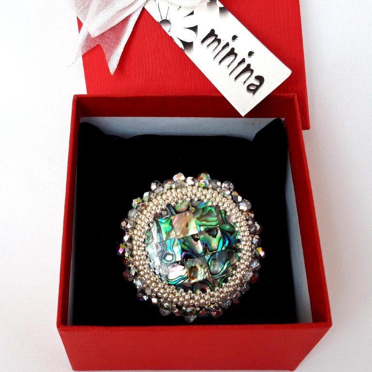 Broşa cristale 50 mm în cutie cadou