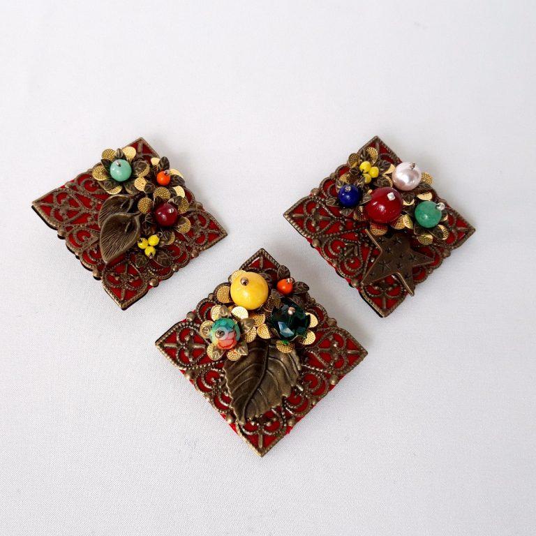 Broşa mărţişor colorată bronz filigran