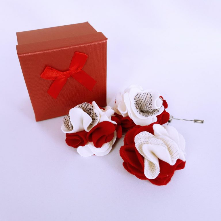Brose pin alb rosu