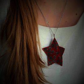 Colier pandantiv stea roșie