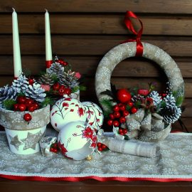 "Colectia ""White and Red Vintage Christmas"""