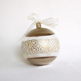 Glob Crăciun auriu alb, sticlă 10 cm