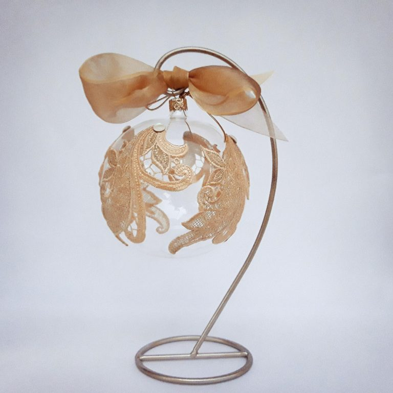 Ornament Crăciun Glob 10 cm cu dantelă