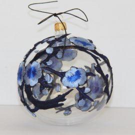glob flori albastre
