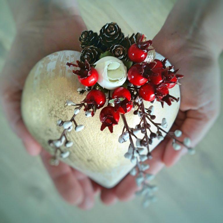 Ornament brad formă inimă 14 cm 1