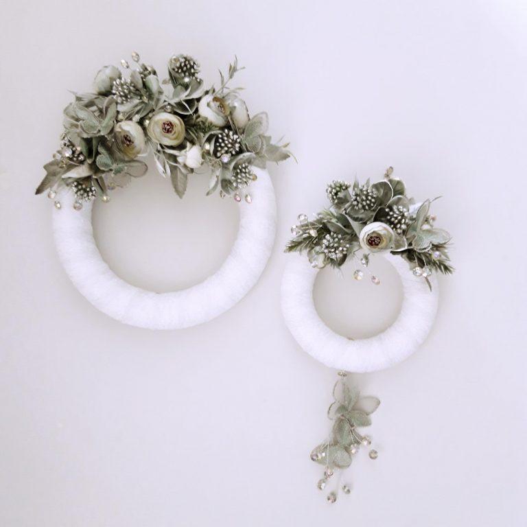 Decor perete 2 coroniţe, alb/argintiu